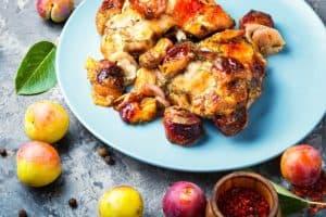 מתכון להכנת עוף ברוטב שזיפים בתנור